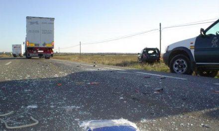 Dos accidentes en las carreteras extremeñas se saldan con un motorista fallecido y tres heridos leves
