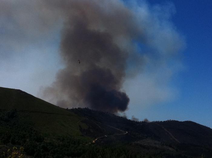 Efectivos del Plan Infoex sofocan tres pequeños incendios registrados este domingo en Sierra de Gata
