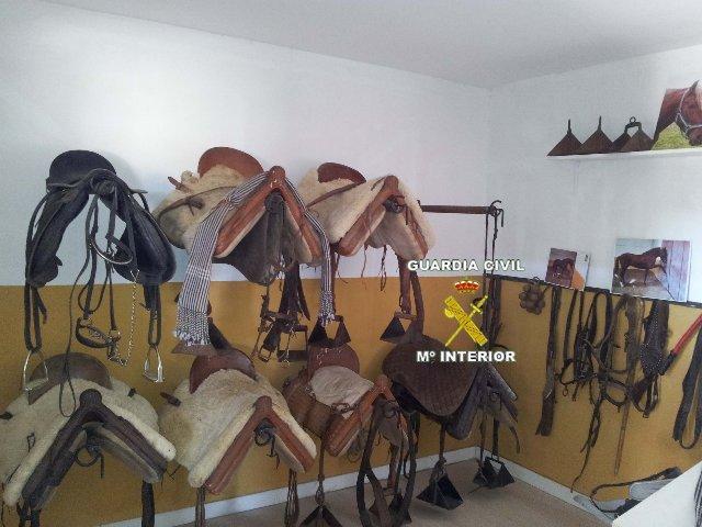 La Guardia Civil detiene a cuatro personas por un delito de robo de monturas de caballo en la zona de Trujillo