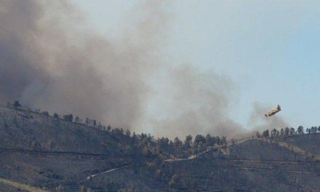 Siguen las tareas de extinción del incendio declarado en la noche del jueves en Valverde del Fresno