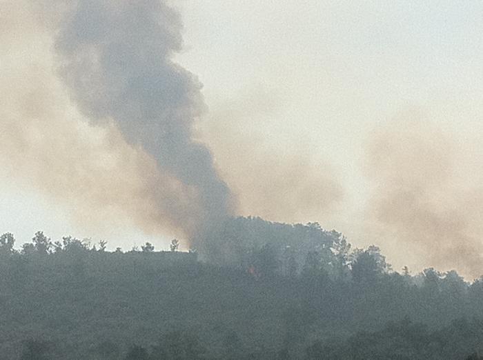Técnicos del Infoex calculan que el fuego de Valverde del Fresno ha arrasado unas 185 hectáreas