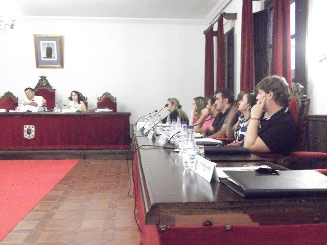Siex se ausenta del pleno de Coria ante el enfrentamiento entre PSOE y PP por la deuda y el sueldo del alcalde