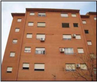 El Gobierno de Extremadura reparará los desperfectos del Bloque 5 de la calle Ródano de Aldea Moret, en Cáceres