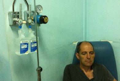 El alcalde de Alburquerque es ingresado con alteraciones cardíacas tras 87 días en huelga de hambre