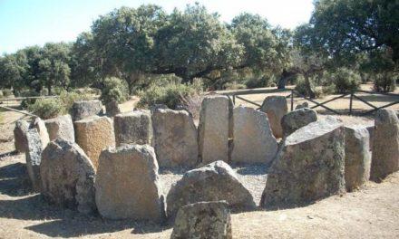 La Asociación Andares estudia posibles nuevos yacimientos arqueológicos en la dehesa de Montehermoso