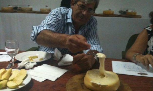 """Un queso de la marca """"La Castuereña"""" gana la cata-concurso a la mejor Torta de la Serena"""