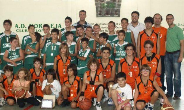 Una convivencia en las piscinas de Moraleja pone punto final al Torneo de Baloncesto XVI Feria Rayana