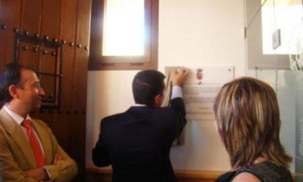 Nevado Batalla inaugura el nuevo edificio del ayuntamiento de Romangordo