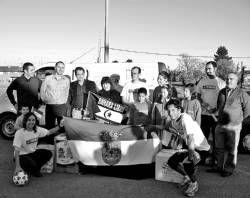 Villafranca de los Barros dona diverso material escolar a los corredores de la marcha denominada Reto de la Plata