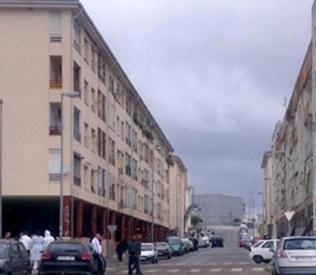 Cuatro personas heridas,  dos de ellas menores, en un tiroteo en el barrio pacense de Suerte de Saavedra