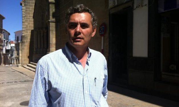 El alcalde de Valencia de Alcántara renuncia a la paga de Navidad en solidaridad con los funcionarios