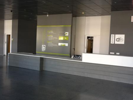 Educación recepciona la nueva sede de la Biblioteca Bartolomé J. Gallardo de Badajoz y se inicia el traslado