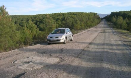 El sector turístico de Trasierra exige el arreglo de la carretera de acceso a la villa de Granadilla