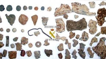 La Guardia Civil interviene un centenar de piezas arqueológicas en varias operaciones en Badajoz