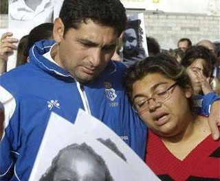 Alrededor de 200 pacenses apoyan a los padres de la niña desaparecida en Huelva con una concentración