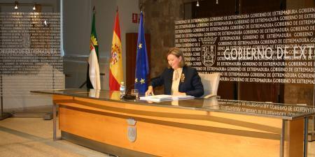 Extremadura compensará a la industria cultural y a las familias con escolares por la subida del IVA