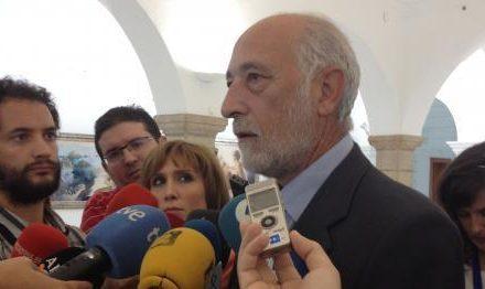 """Albino Navarro abandona su responsabilidad como director gerente del SES """"por motivos de salud"""""""