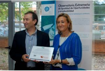 La Diputación de Cáceres firma un convenio de colaboración con el Instituto de la Mujer de Extremadura