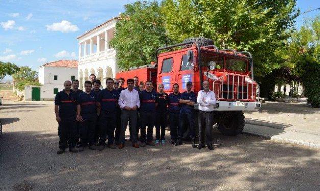La Diputación de Badajoz dona un vehículo a la  Agrupación de Bomberos Voluntarios de Zarza Capilla