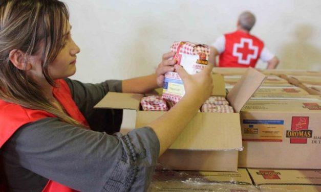 Cruz Roja en Extremadura distribuirá más de 370.000 kilos y litros de alimentos entre los más necesitados