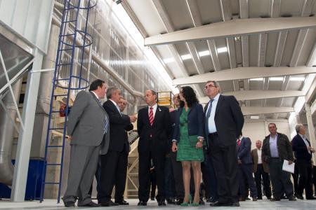 Monago inaugura en Talavera la Real la segunda planta de fertilizantes compactados de España