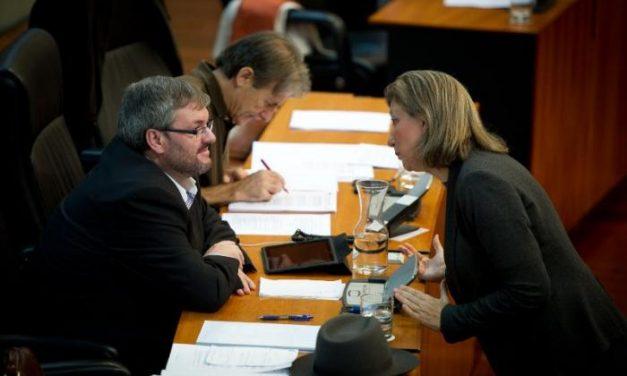 La Asamblea aprueba instar al Gobierno central a rechazar la reforma del Código Penal de Gallardón