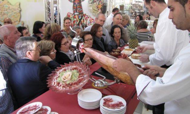 La Diputación de Cáceres promociona  la gastronomía regional en el Mercado de Colón de Valencia