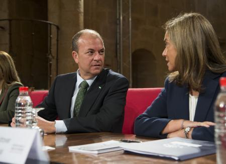 Monago asegura que la Administración vela por las mujeres con medidas que mejoren su vida