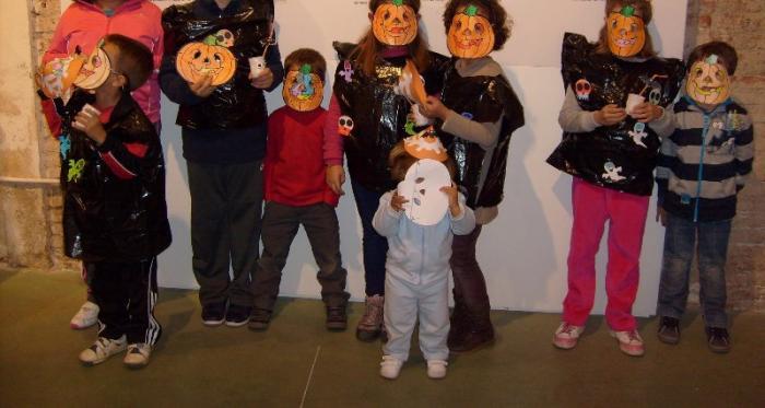 El Museo del Corcho de San Vicente acoge un taller para niños para elaborar motivos de Halloween con corcho
