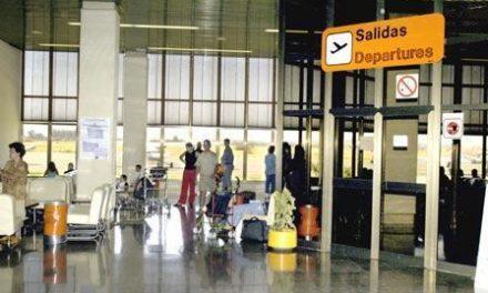 Fomento y Helitt trabajan para que los afectados por el cierre del aeropuerto tengan una alternativa de transporte