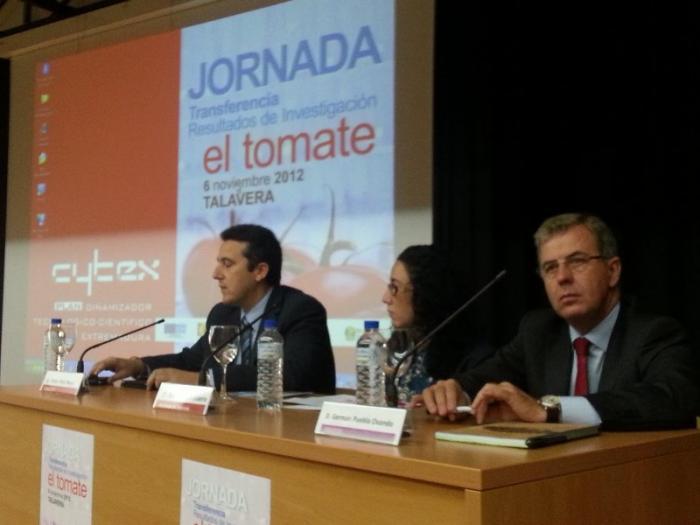 El sector del tomate acerca la innovación a su tejido productivo en unas jornadas en Talavera la Real