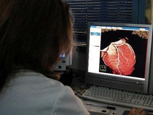 Carrón destaca la eficiencia de Extremadura en el índice de estancia media de los servicios de Cardiología