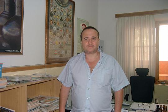 La oficina del consumidor de Coria advierte de las estafas relacionadas con los números 905 en la comarca