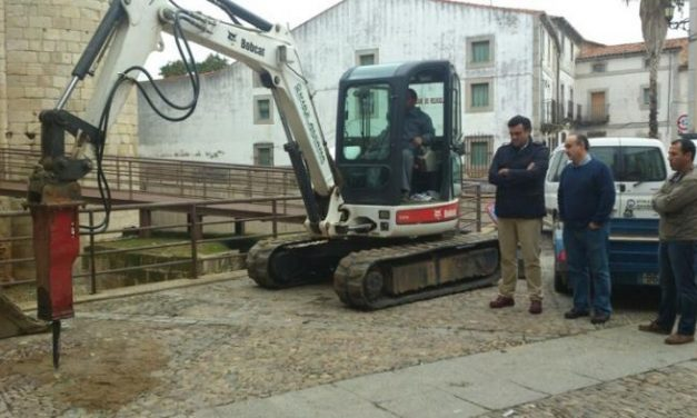 Comienzan las obras de sustitución del empedrado de las calles y plazas del casco histórico de Coria
