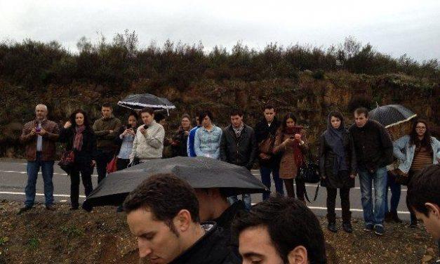 """Juventudes Socialistas entrega los premios """"Luis Romero Solano"""" en un acto celebrado en Moraleja"""