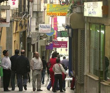 Los vecinos de la parte antigua de la ciudad de Cáceres piden más orden en la regulación del tráfico