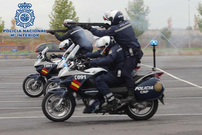 La Policía Nacional de Badajoz se especializa en la conducción de motocicletas de gran cilindrada
