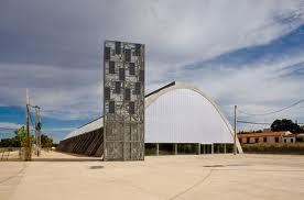 Un grupo de arquitectos visita el Edificio Embarcadero y el Garaje 2.0 de la ciudad de Cáceres