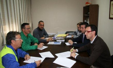 El Ayuntamiento de Moraleja y los representantes de los trabajadores firman el convenio colectivo de 2013