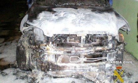 La Guardia Civil detiene a una mujer de 52 años acusada de quemar seis vehículos  en Usagre