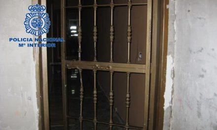 La Policía Nacional desarticula un punto de venta de droga en el casco antiguo de Badajoz