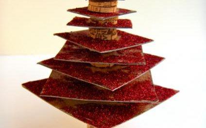 El Museo del Corcho acoge este miércoles un taller con adultos para elaborar adornos navideños