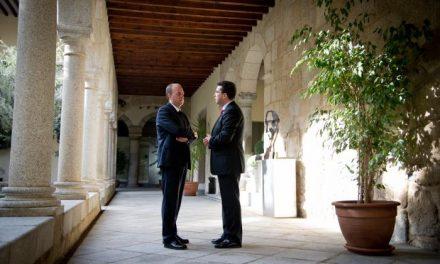 El Ejecutivo y el Parlamento regional firman un protocolo para potenciar Extremadura en la UE