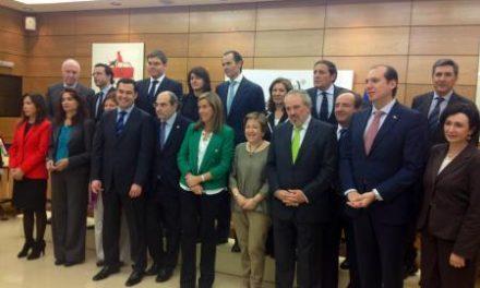 Carrón defiende en Madrid que los pacientes de hemodiálisis no aporten nada por el transporte no urgente