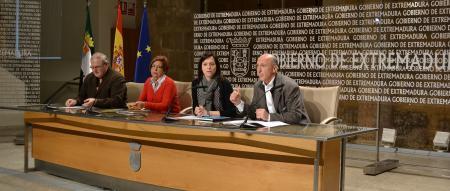 El Gobierno de Extremadura colabora con la Asociación Por Ellos en la edición de un CD y un concierto benéfico