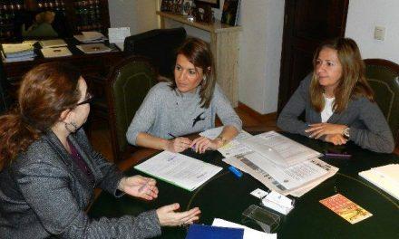 Cáceres y Red Madre colaborarán para apoyar a mujeres embarazadas y madres sin recursos