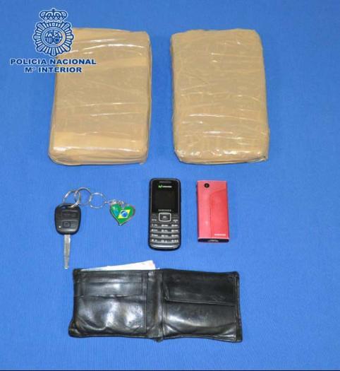 Ingresa en prisión un ciudadano colombiano por portar casi dos kilos de cocaína en su vehículo