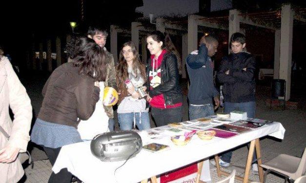 Juventudes Socialistas de Coria desarrolla una campaña informativa para jóvenes sobre la igualdad