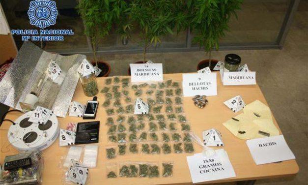 """La Policía Nacional detiene en Plasencia a un  hombre que se dedicaba al """"menudeo"""" de droga"""