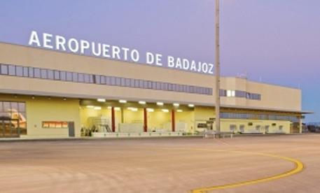 Fomento valora positivamente el aumento de viajeros experimentado en el aeropuerto de Badajoz